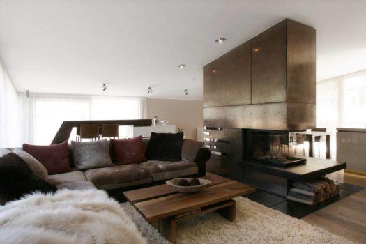 img_3701_dg_wohnzimmer_kamin_sofa